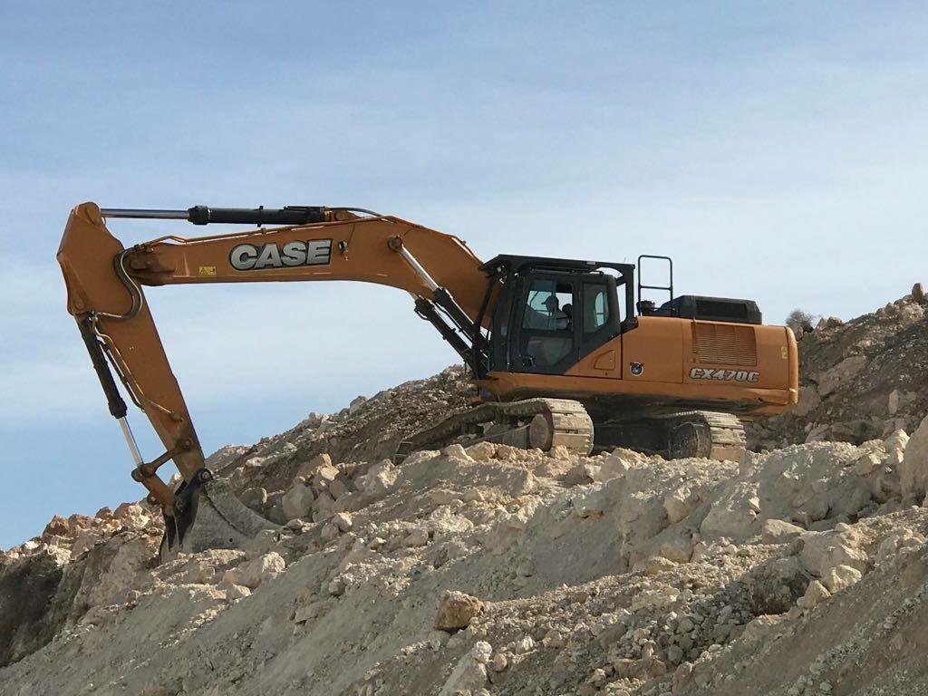 מחפר זחלי CASE CX470C